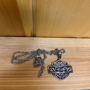 New Ladies Harley Davidson necklace